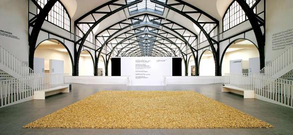 Felix-Gonzales-Torres-Untitled-Placebo-–-Landscape-for-Roni